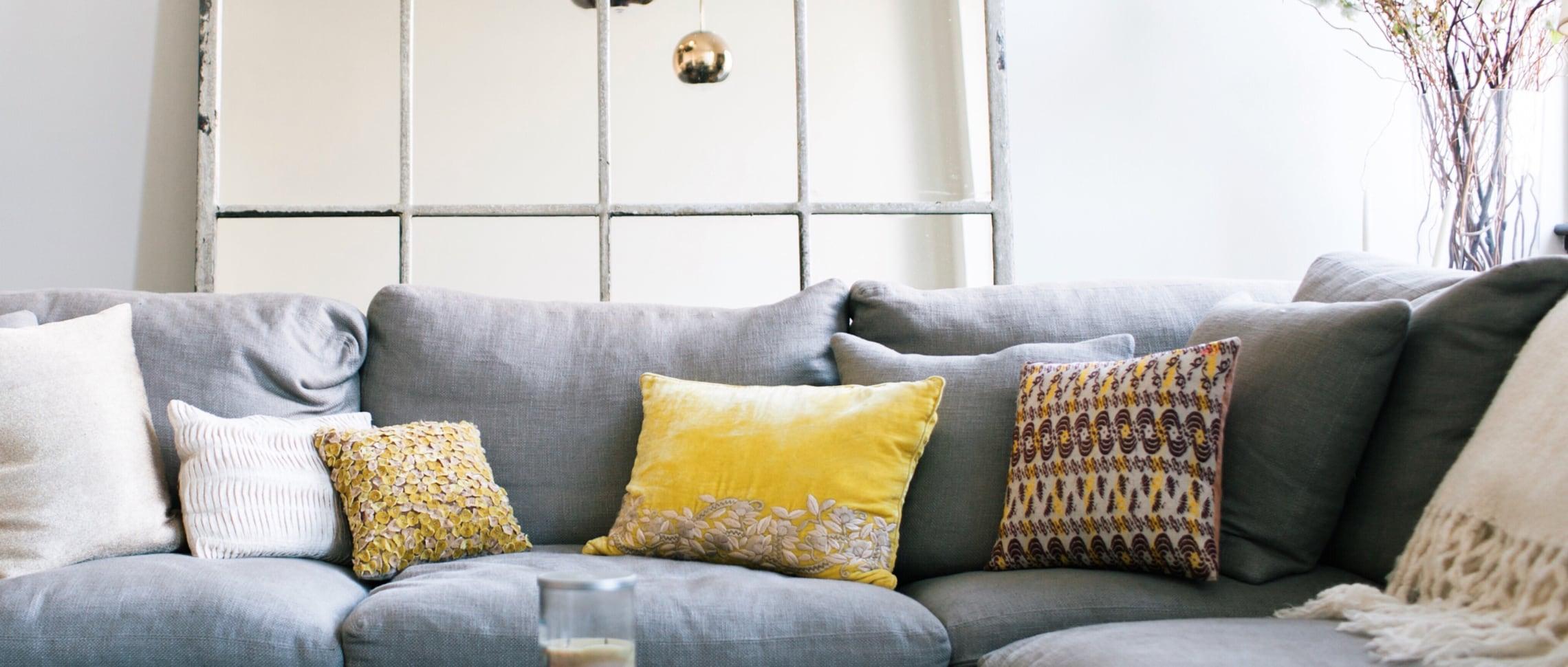 sälja bostad göteborg vardagsrum soffa